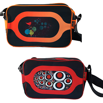 Moderne 70s Up Schultertasche in verschiedenen Farben und Designs