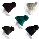 Wunderschöne Wintermütze Strickmütze mit bommel in verschiedenen Farben